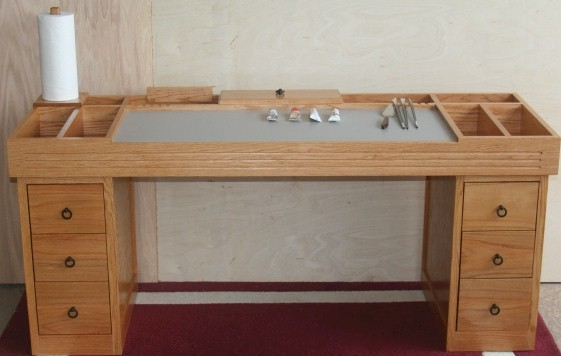taboret with drawers